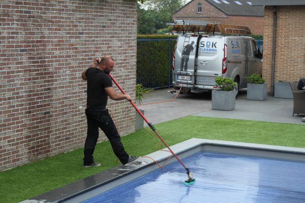 sdkcleaning-detailcleaning-zwembadrolluik-onderhouden6D45E3821-40F8-2D94-014E-767F02569701.jpg